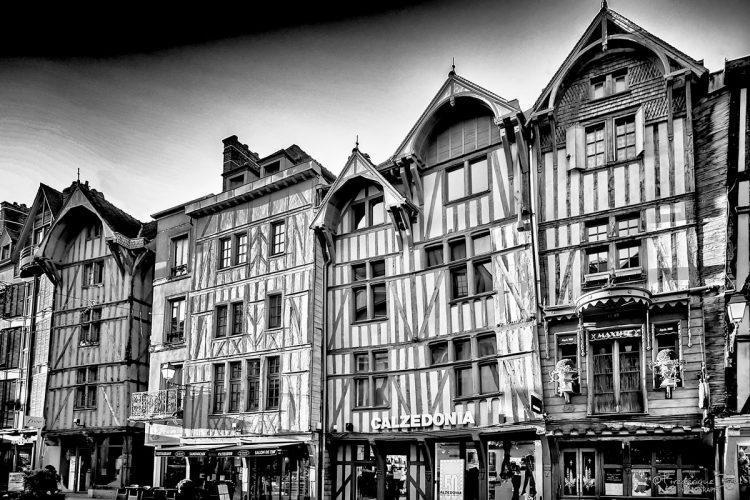 Quelques maisons Champenoises, rue Emile Zola à Troyes.
